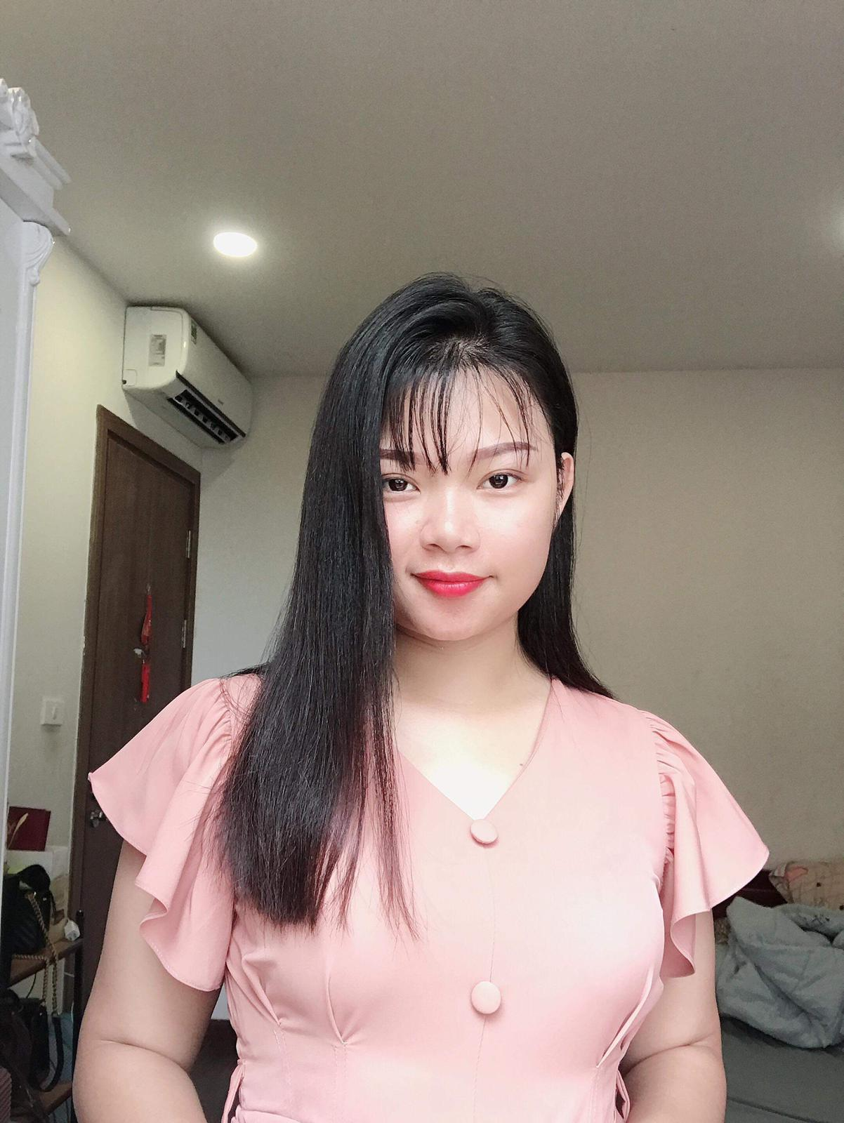 Vietnamese lady 25 years old
